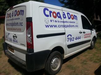 le camion de livraison de croquettes à domicile chiens et chats de croqadom